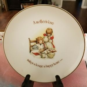 Holly Hobbie Mother's Love Plate